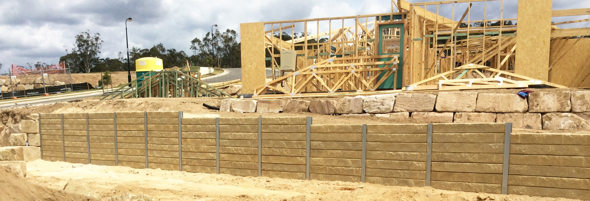 Concrete Retaining Walls Wishart, Retainer Wall Brisbane, Timber Fencing Ripley